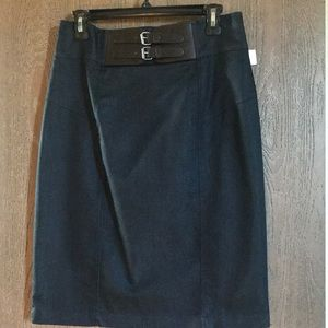 Navy blue twill pencil skirt with double buckle